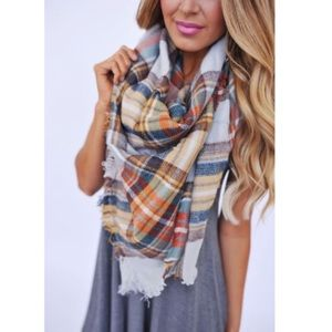Accessories - 2 blanket scarf 💕💕